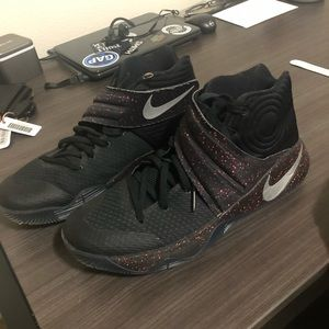 Nike Kyrie Irving 2's